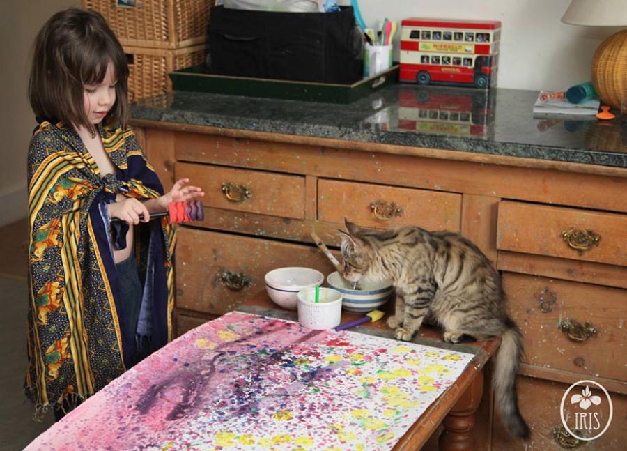 9253210-R3L8T8D-900-5-year-old-painter-autism-iris-grace-13
