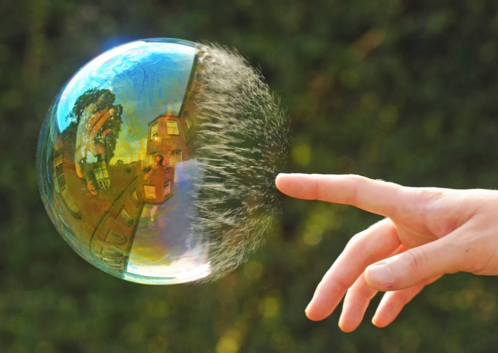 5190455-R3L8T8D-990-2012-02-04-perfect-timing-bubble-1009