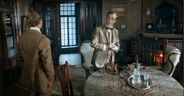 in the sitting-room of Sherlock Holmes' apartment in Lenfilm series