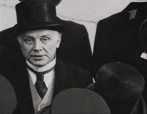 Innokenty Smoktunovsky as Dr. Jekyll in Soviet adaptation of R.L.Stevenson's novel (MosFilm studio, 1985)