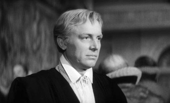 Innokentiy Smoktunovsky as Hamlet (1964)