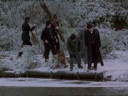 """Кадры из серии """"Картонная коробка"""" - сериал """"Приключения Шерлока Холмса"""", Великобритания, 1994 г., студия Гранада"""