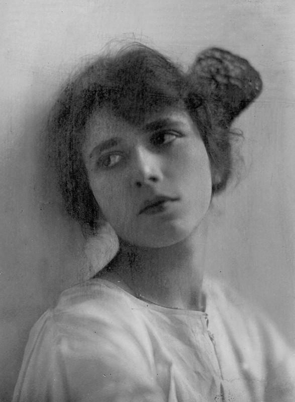 К 130-летию со дня рождения королевы детектива Агаты Кристи 92