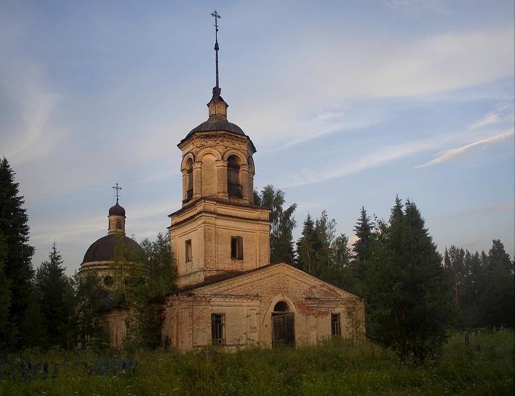 Старо-Георгиевская церковь, лето