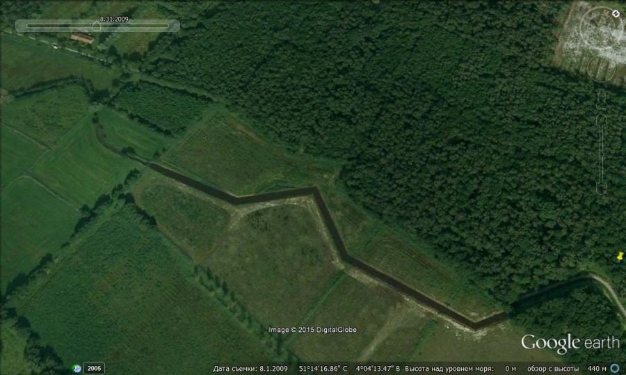 стена в Бельгии 1 - 2009 крупный план