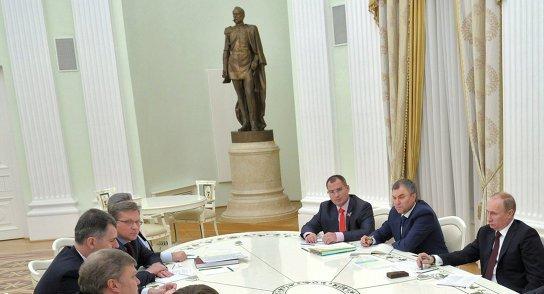 Сурайкин на встрече с ВВПу 21_11_2013 Москва.jpg