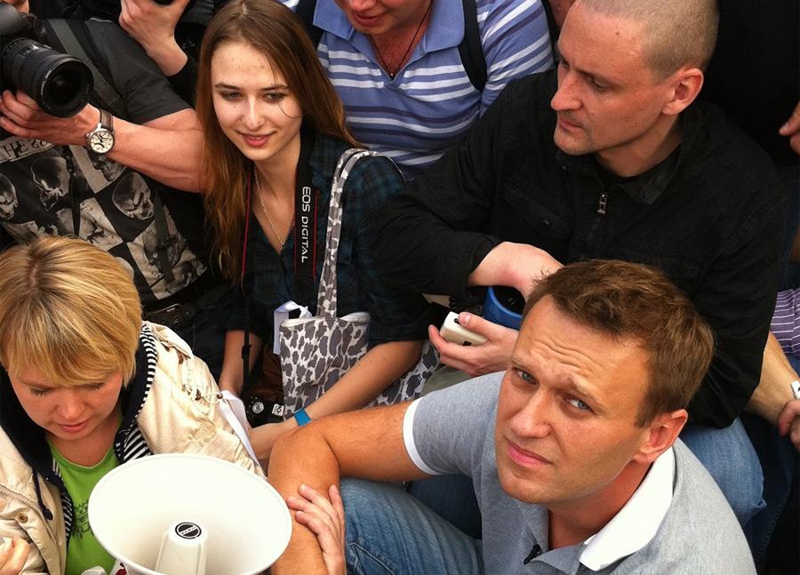 Удальцов, Навальный, Чирикова 6 мая 2012 года.jpg