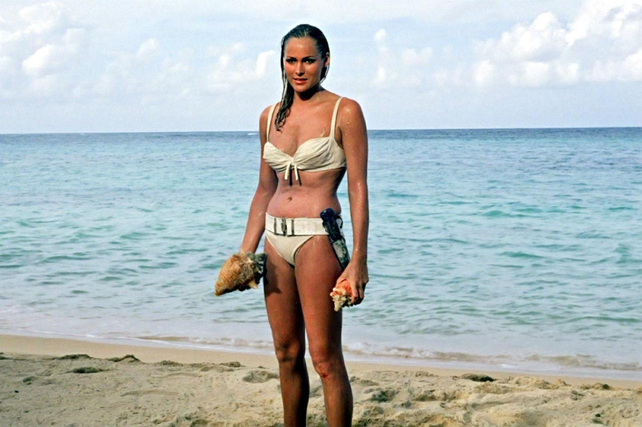 Юные девочки голые на пляже 6 фотография