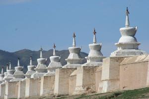 ps 010 800px-Stupas_de_Karakorum.jpg