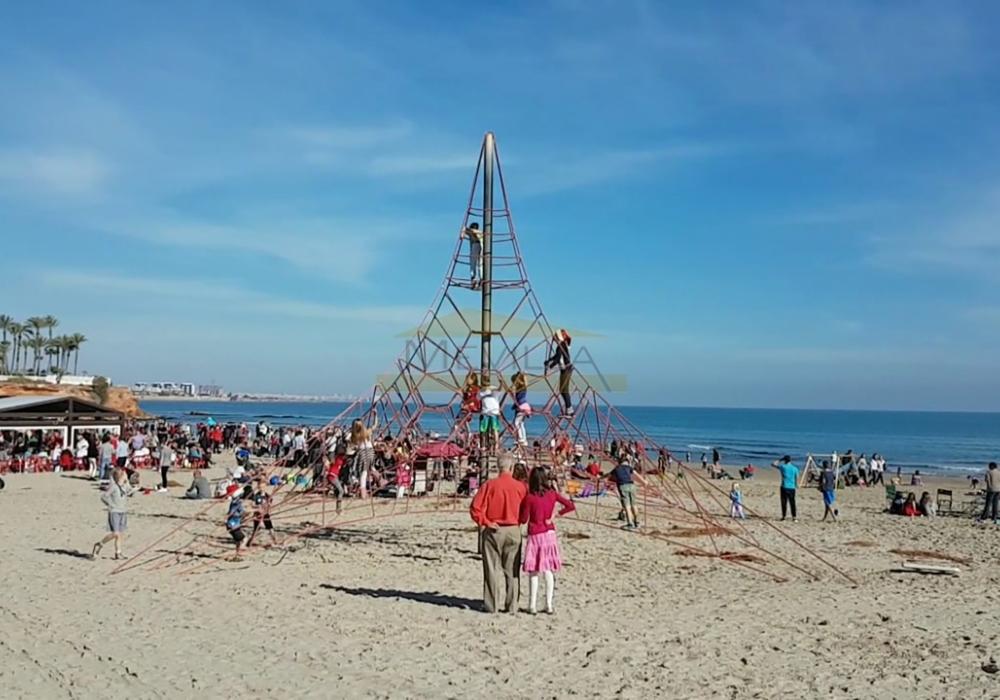 Фото: mevilla.ru (пляж Ла Зения)