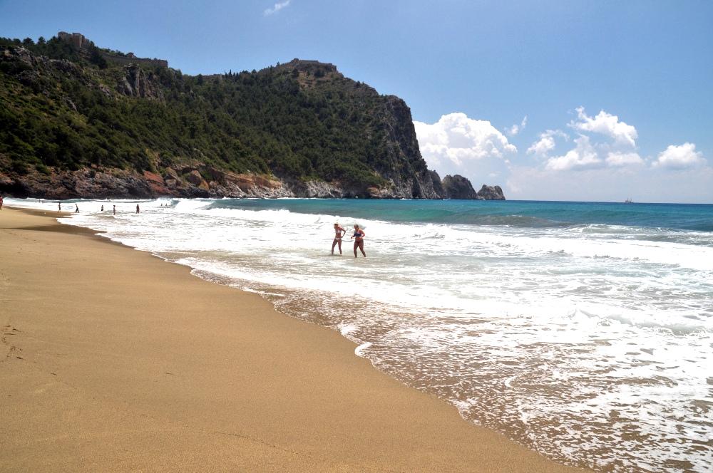Фото: vk.com /пустые пляжи Турции/
