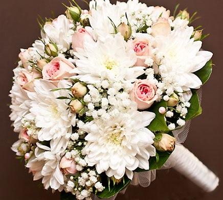 Букет для невесты из хризантем