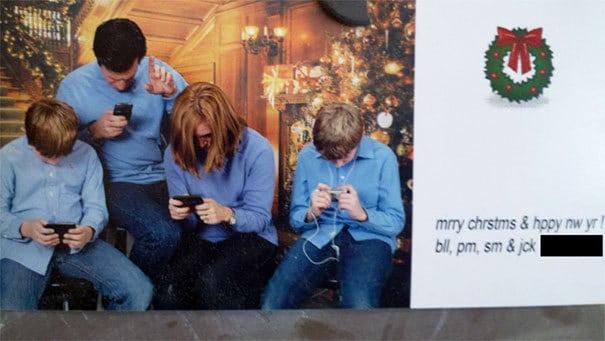 funny-family-christmas-cards-22-5a24ff331d52e__605.jpg