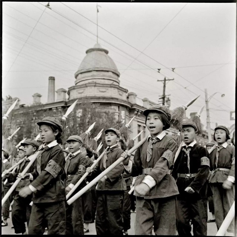 the purpose of the cultural revolution of china Red guards, chinese (pinyin) hongweibing or (wade-giles romanization) hung-wei-ping, in chinese history, groups of militant university and high school students formed into paramilitary units as part of the cultural revolution (1966-76.
