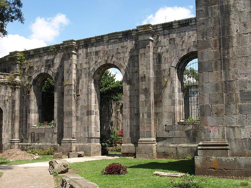 800px-Old_Ruins_in_Cartago,_Costa_Rica_by_Daniel_Vargas_-_25