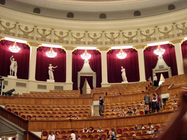 Оперный театр внутри 3