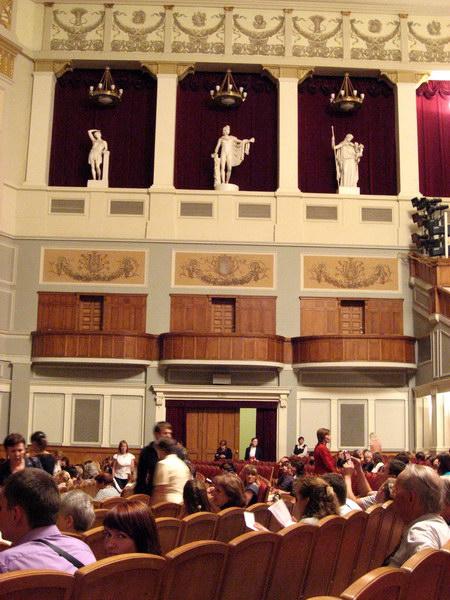 Оперный театр внутри 4