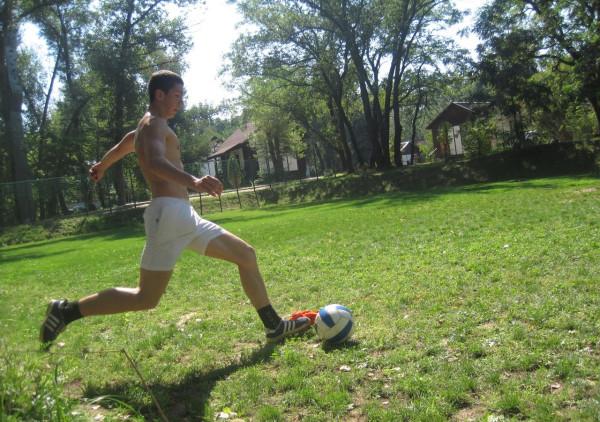 АБ-2012. Ваня и мяч.