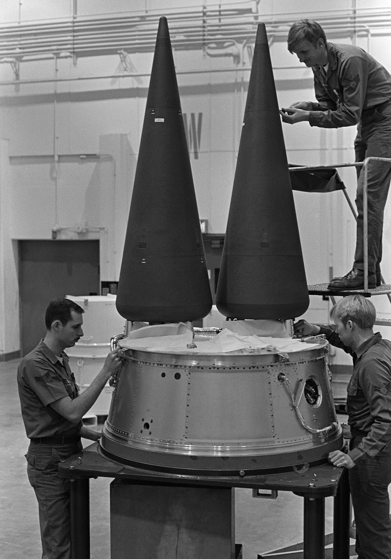 LGM-30G_Minuteman_III_MIRV