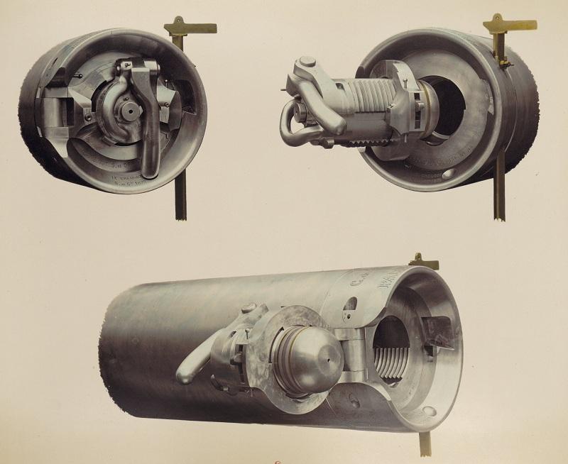 Matériel_de_l'artillerie-p33-culasse_canon_de_90.jpg