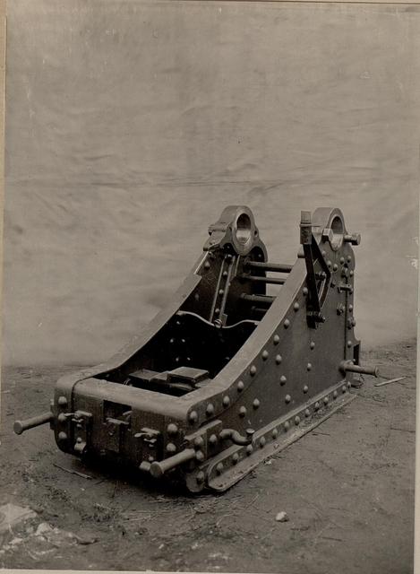 15-cm-m-80-morserschleife-umgeandert-fur-10-cm-m-05-panzerhaubitzrohr-aufgenommen-871fa7-640.jpg