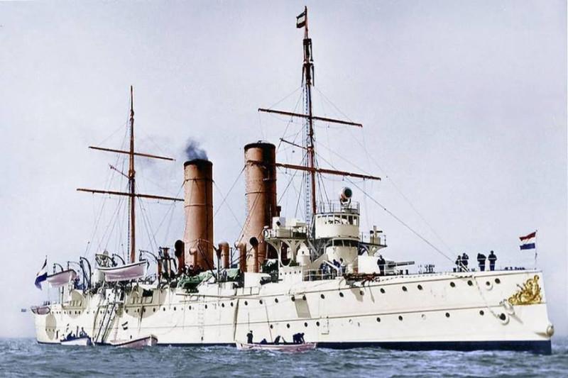 cruiser-holland-netherlands-1896-1920-postales-navales.jpg