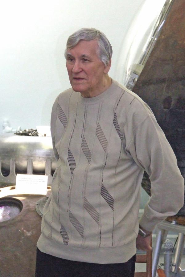 Сергей Павлов во время церемонии награждения лауреатов конкурса «Звёзды Внеземелья» в музее космической техники РКК «Энергия» 14 апреля 2009г.