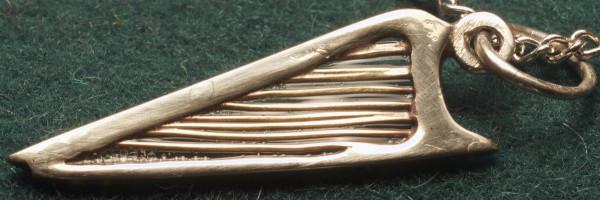 harp_pendant