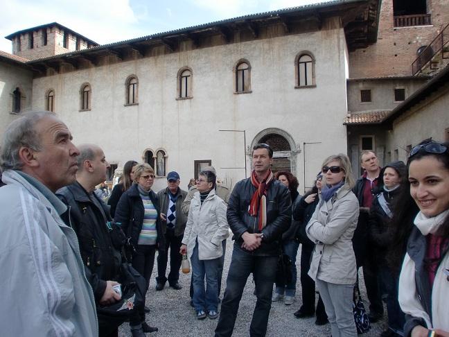пригляд за туристами
