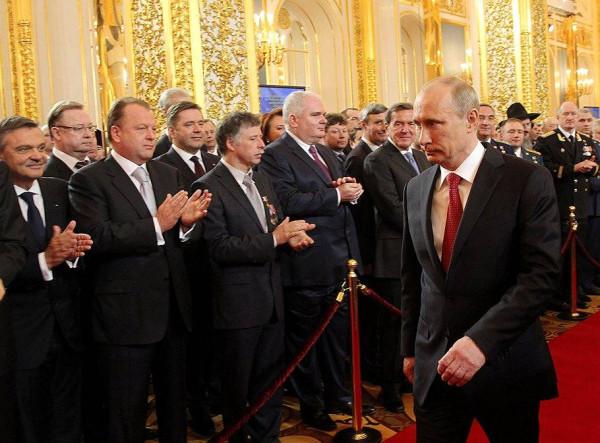 Откуда в России берется проблема с элитами