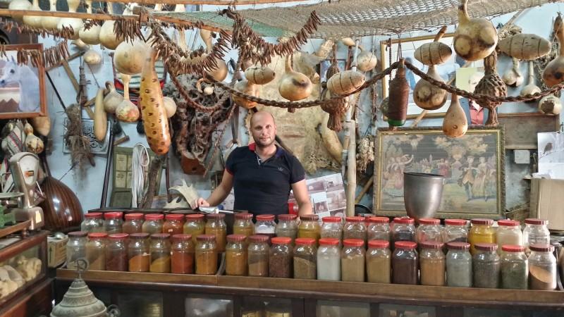Лавка специй на арабском рынке в старом Акко