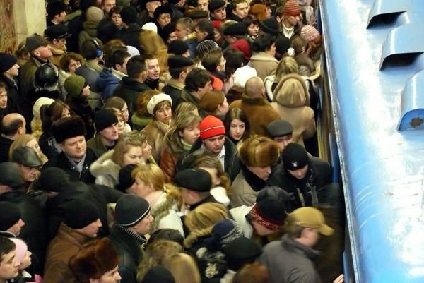 Давка в метро в час пик