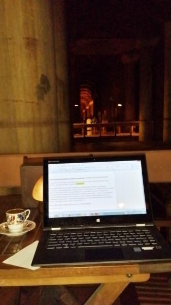 Моё рабочее место - кафе Cistern в подземном водохранилище VI века в Стамбуле