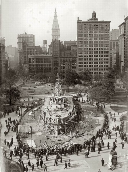 New York 1917. Landship Recruit on Union Square