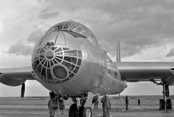 1951 - B-36's vist UK