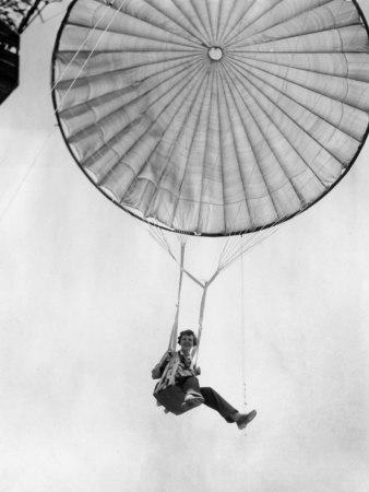 AE - Parachute