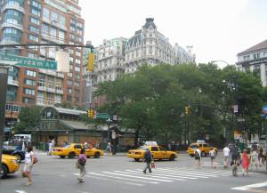 The Ansonia - вид с Amsterdam Avenue, фото A.Mandel, 9 июля 2011 г
