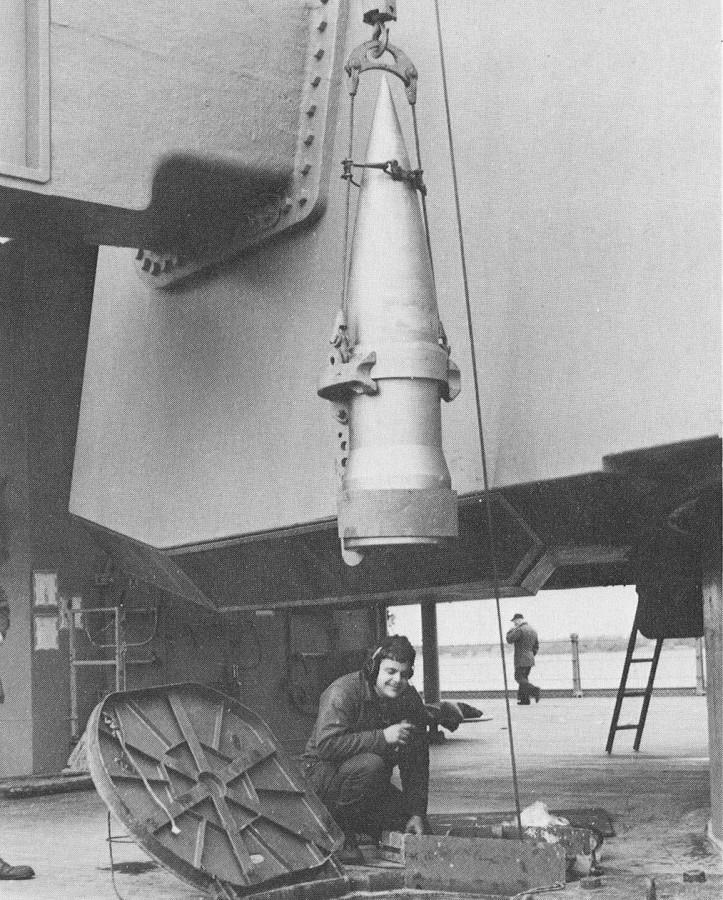 16- 13in Sabot USS Iowa