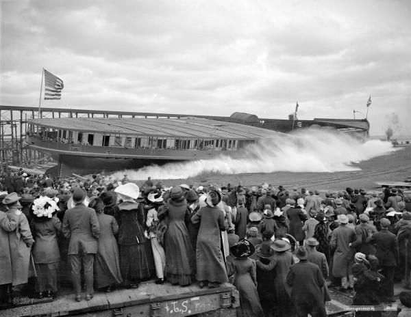 November 9, 1912. Wyandotte, Michigan. Steamer Seeandbee, the launch