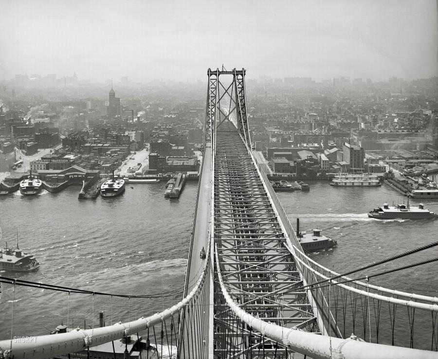New York circa 1903. East River from Brooklyn tower of Williamsburg Bridge 1