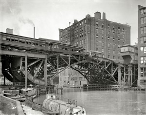 1907 Chicago , Illinois . Jackknife Bridge , Chicago River. Photo by Hans Behm
