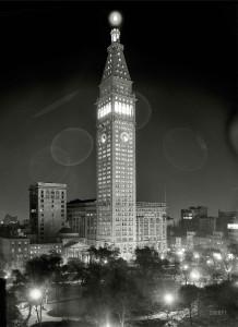 Ночной вид на Met Life Вuilding, 1910 год