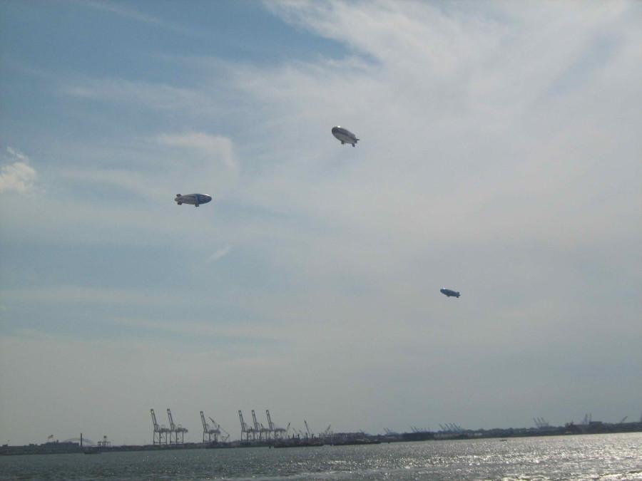 Три дирижабля над Нью-Йоркской гаванью