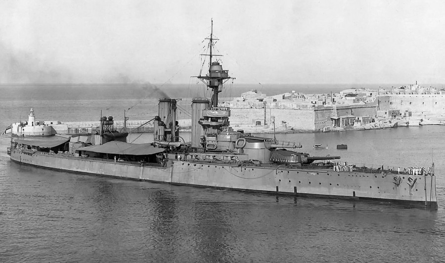 HMS Ajax в Grand Harbour, Мальта, 1921 год