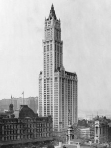 Woolworth Building в год открытия - 1913