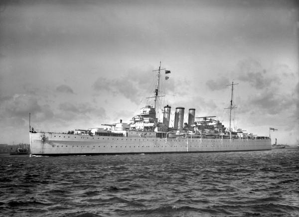 HMS London, 1937