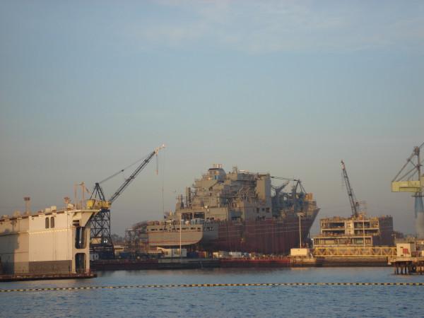 USNS_Amelia_Earhart_Under_Construction - 16_25 Jan 10 2008
