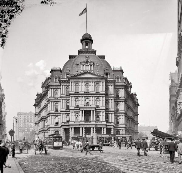 Нью-Йорк, фото 1905 года. Здание City Hall Post Office, спроектированное Alfred Mullett, завершенное в 1880 и разобранное 1939 году