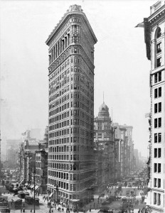 1910 Irving Underhill photo of the 22-story Flatiron (Fuller) Building at 175 Fifth Avenue, one of the earliest (1902) buildings in New York to attain such heights