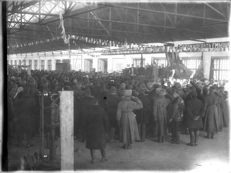 Митинг в одном из новых цехов Сибзавода 1925-30